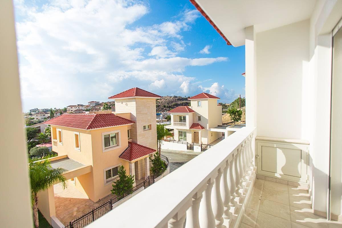 Инвестиции в недвижимость Лимассола становятся все популярнее - недвижимость Кипра фото 1